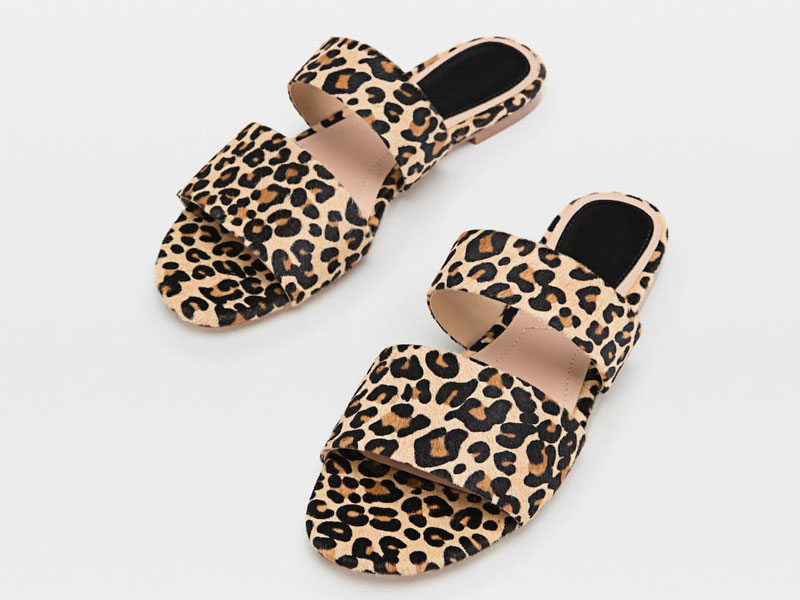61d505615 حذاء مفتوح بنقشة جلد النمر، من ستراديفاريوس، في مول الإمارات ومول مصر  ومراكز سيتي